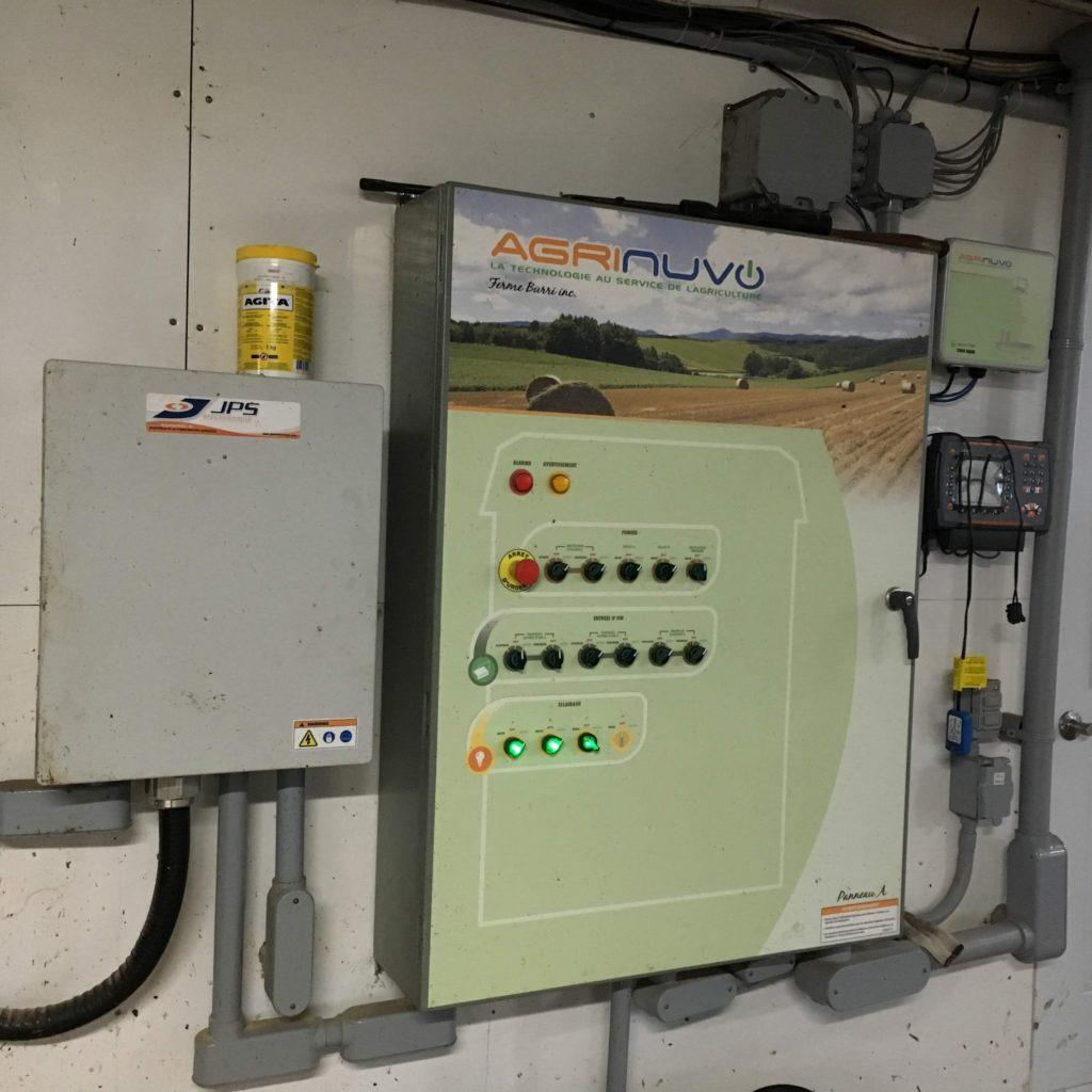 Installation d'un panneau de contrôle intelligent Agrinuvo.