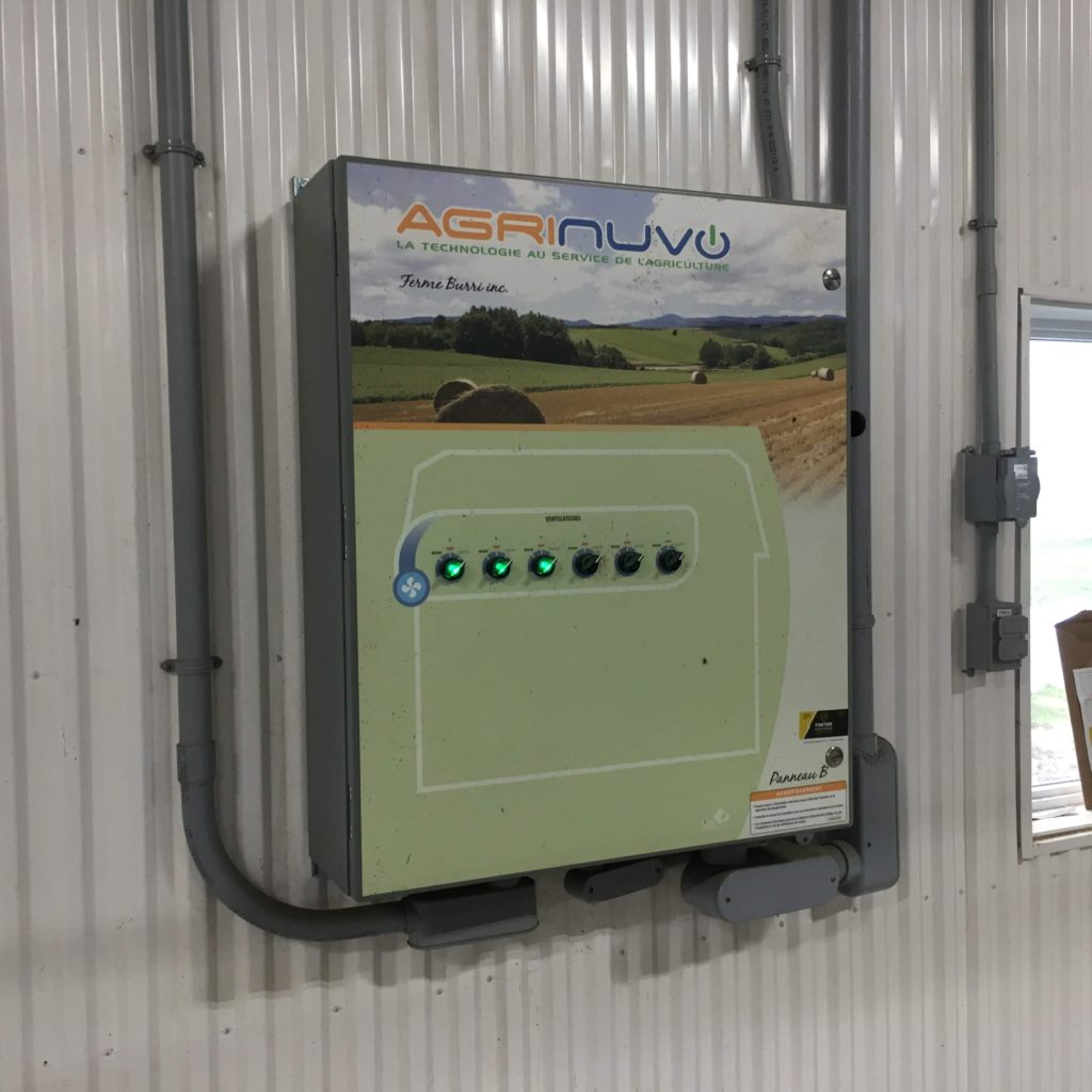 Installation d'un panneau de contrôle intelligent Agrinuvo (ventilation).